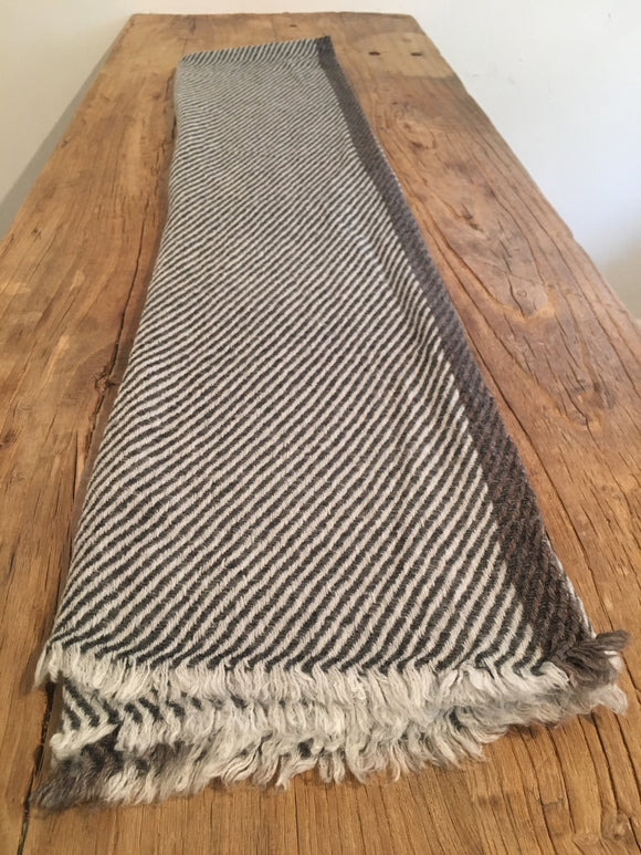 100% Superfine Cashmere Thick Scarf/Stole, Fairtrade,   織途  , Om Ethnic Handicraft , macrame