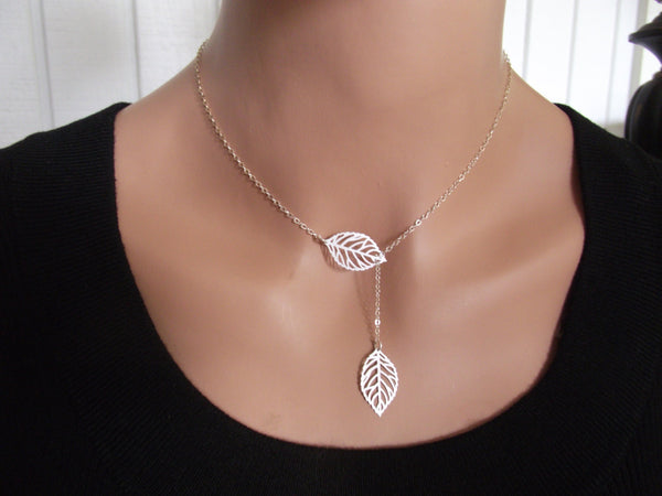 Classy silver leaf necklace