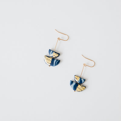 Dangle navy blue, a creative and relaxing activity in Singapore - Longue Vue Design