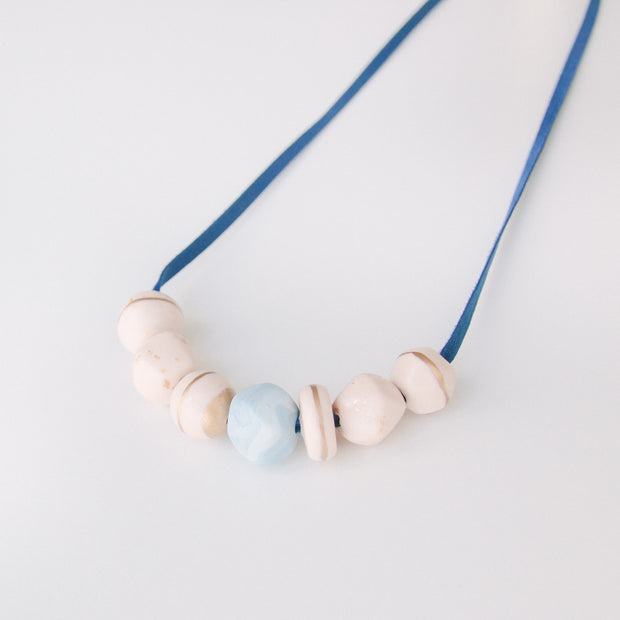 Limited edition - peach necklace, a creative and relaxing activity in Singapore - Longue Vue Design