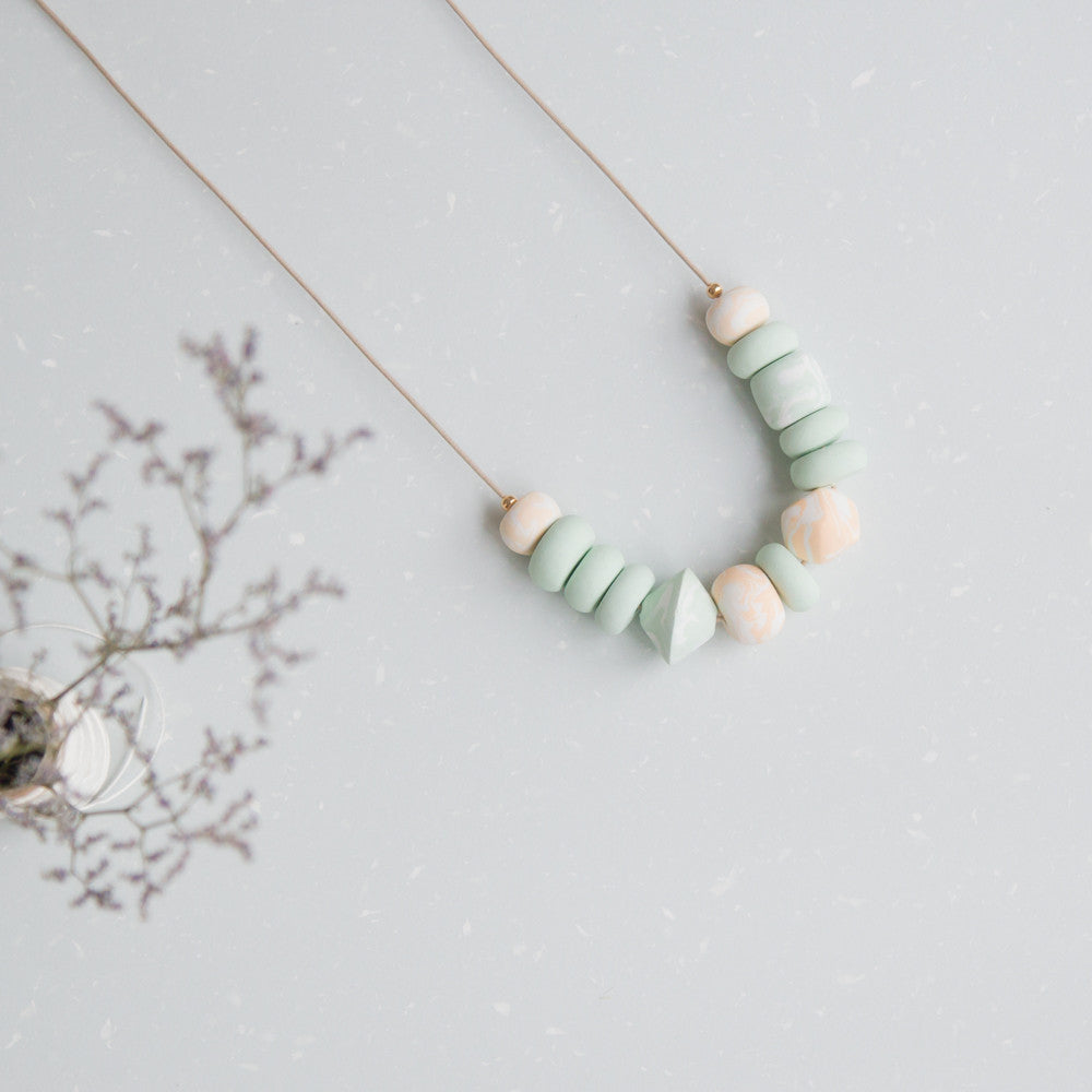 Shade of green II - necklace