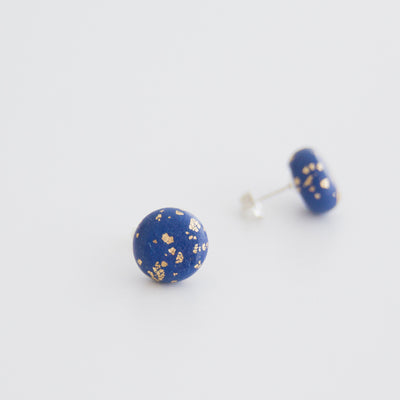 Gold speckled studs, a creative and relaxing activity in Singapore - Longue Vue Design