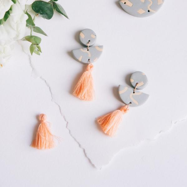 Graphic Earrings Tassel orange
