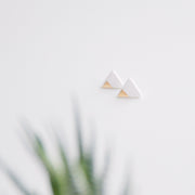 Triangle studs gold sparkle, a creative and relaxing activity in Singapore - Longue Vue Design
