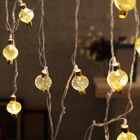 Metallic Lanterns Festive Light