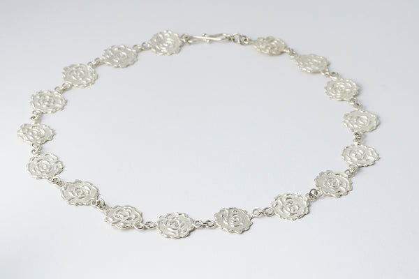 Delve Efflorescence Necklace Silver 1