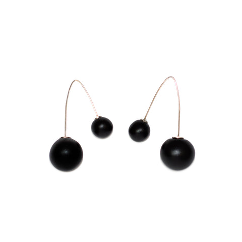 Netsuke Sfera Earrings with Two Strings 1