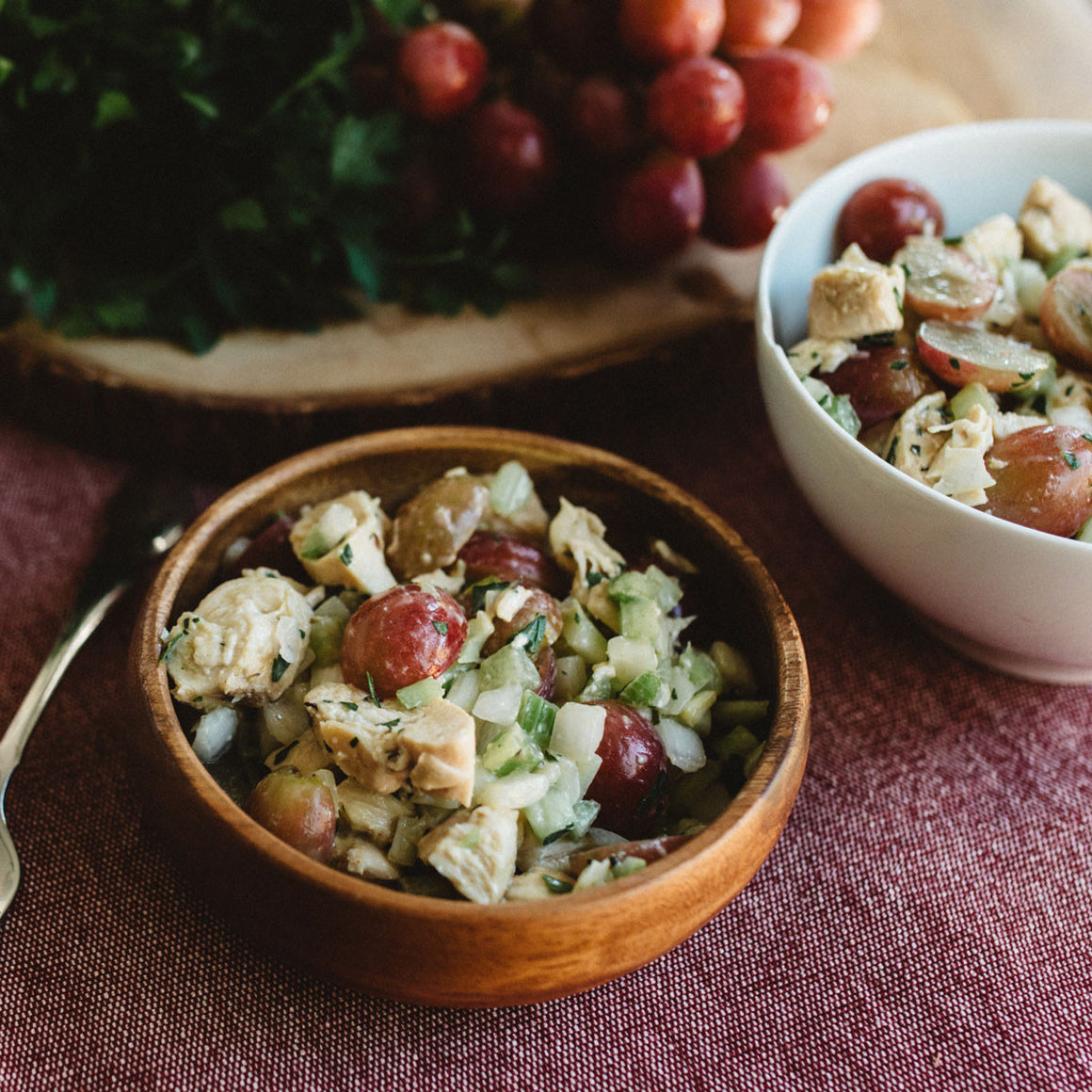 Chopped chicken salad with grapes and dijon mustard (W30)