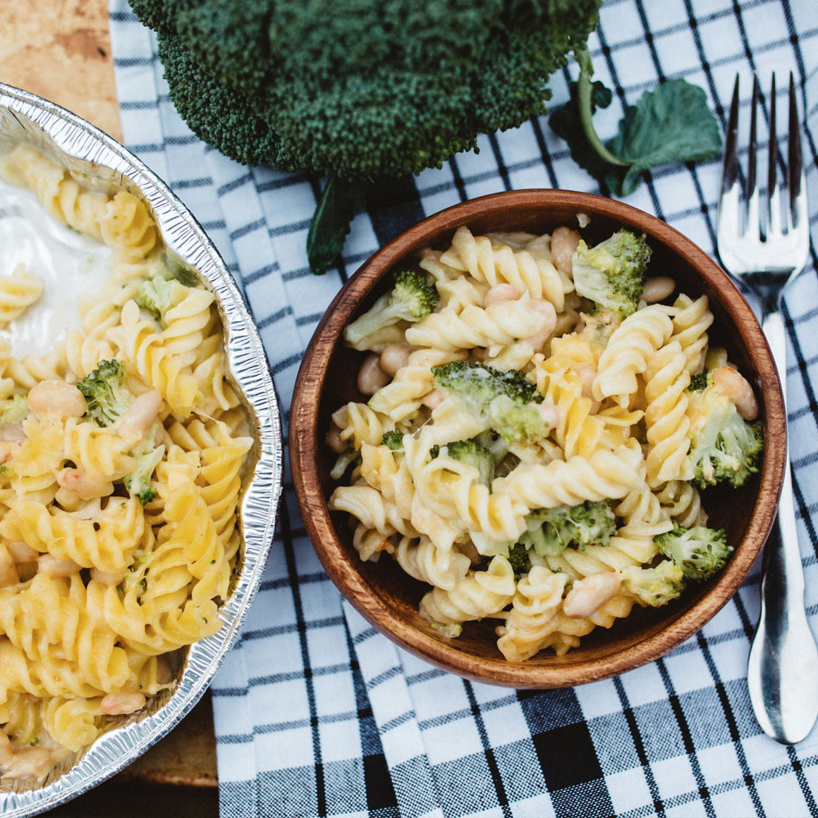 Rotini with gouda, broccoli and cannellini beans