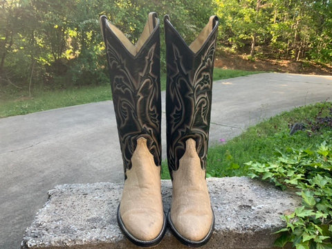 Size 8 women's Larry Mahan boots