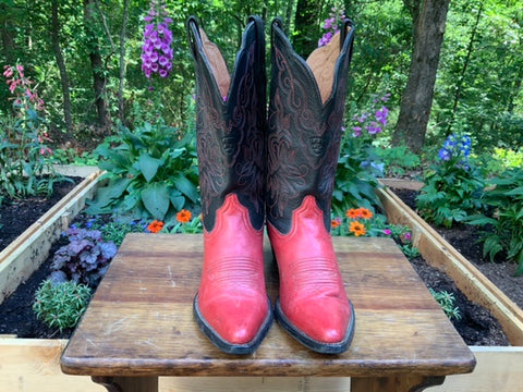 Size 6 women's Ariat boots