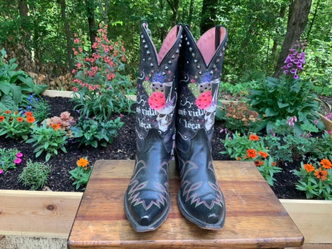 Size 9.5 women's Ariat boots