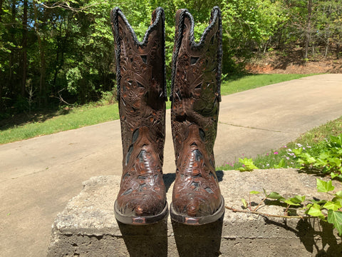 Size 5.5 to 6 women's Old Gringo boots