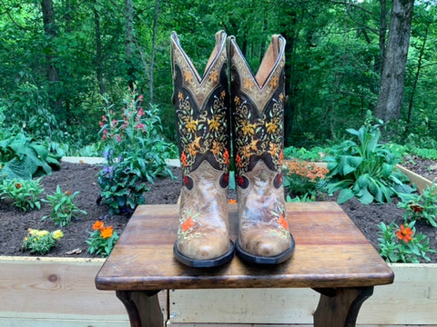 Size 9 women's Sterling River boots