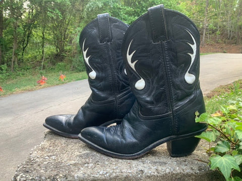 Size 6 women's Code West boots