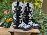 Size 9.5 women's Lucchese boots