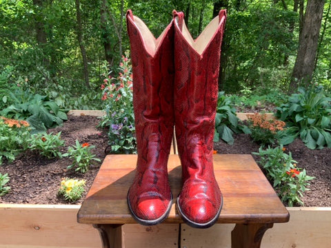 Size 9.5 women's Larry Mahan boots