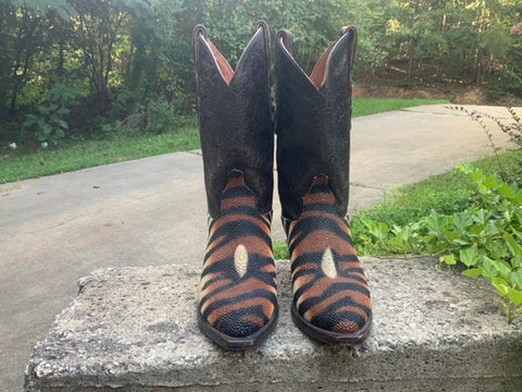 Size 6.5 women's Dan Post stingray boots