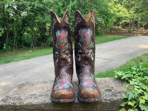 Size 8 women's Old Gringo boots