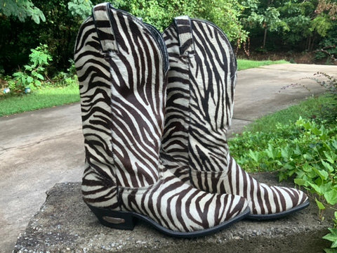 Size 8 women's Code West boots