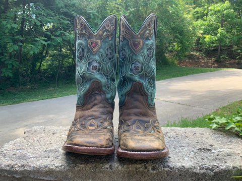 Size 8 women's Dan Post boots