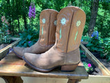 Size 7.5 women's Liberty boots