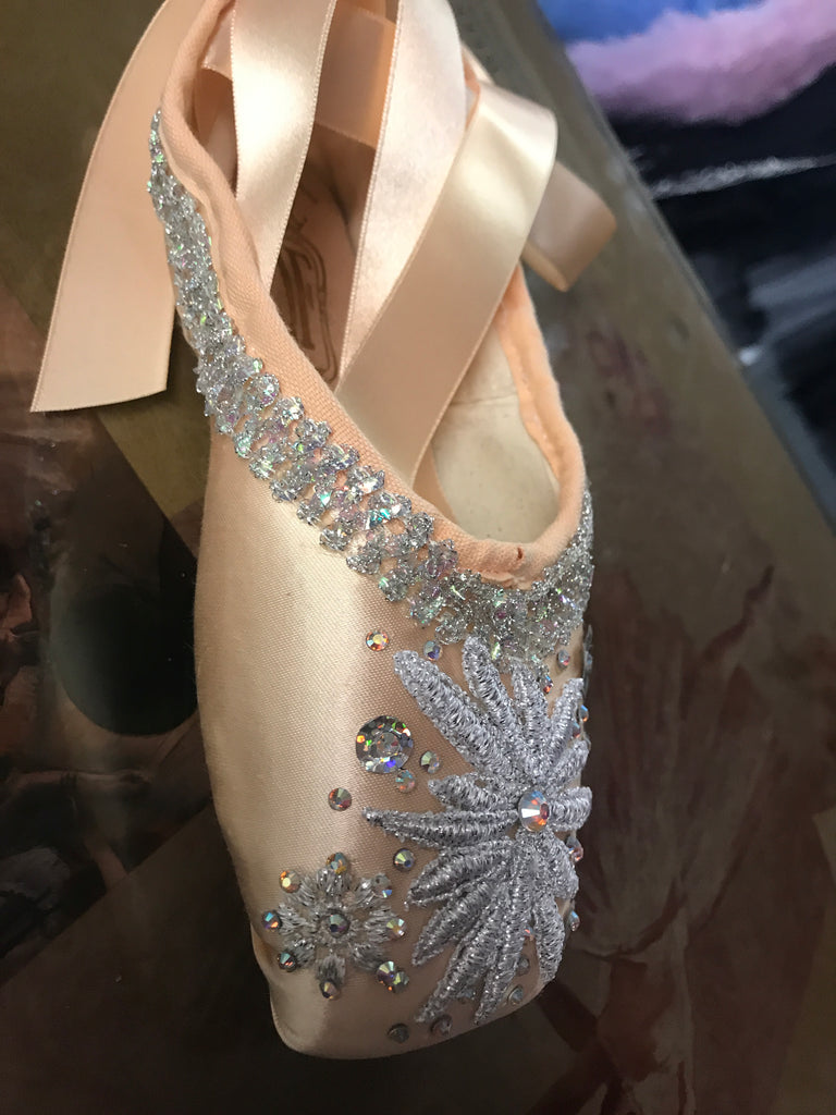 Decorated pointe shoes - Snowflake