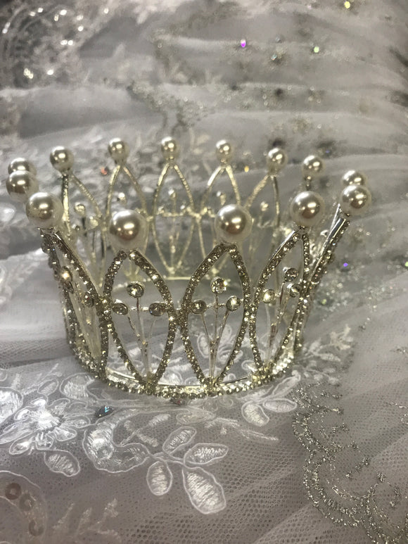 Silver and pearl coronet
