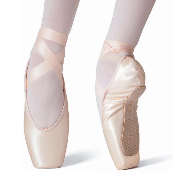 Merlet Cloe pointe shoe