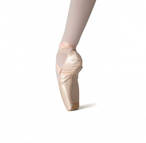 Merlet Rose Pointe Shoe
