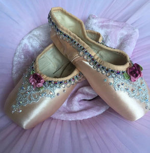 Decorated pointe shoes - Silver - Just Ballet