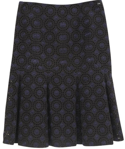 CHANEL Skirt Black Navy Blue Floral Eyelet Zipper Cotton 36 Knee-length 06P 2006 - Evesherfashion