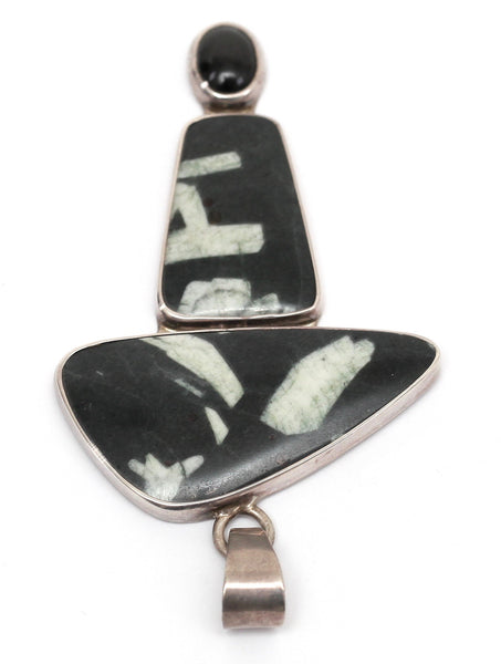 CHARLES ALBERT Sterling Silver Pendant Charm Chinese Writing Stone Onyx VINTAGE - Evesherfashion