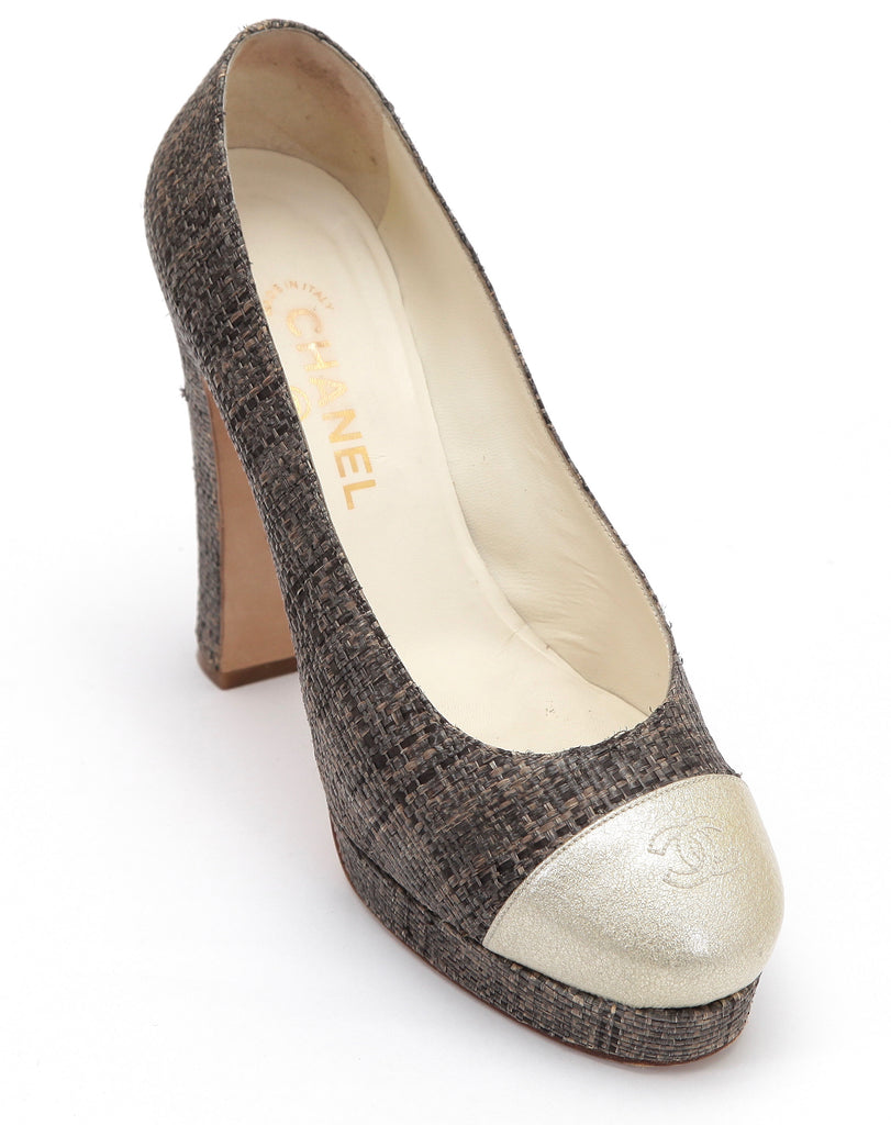 CHANEL Platform Pump Straw Patent Leather Tweed Cap Toe Brown Gold CC Logo Sz 40 - Evesherfashion