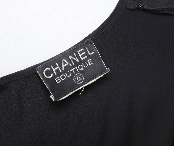 CHANEL Blouse Dress Shirt Top Sleeveless Black Silk Gold CC VINTAGE - Evesherfashion