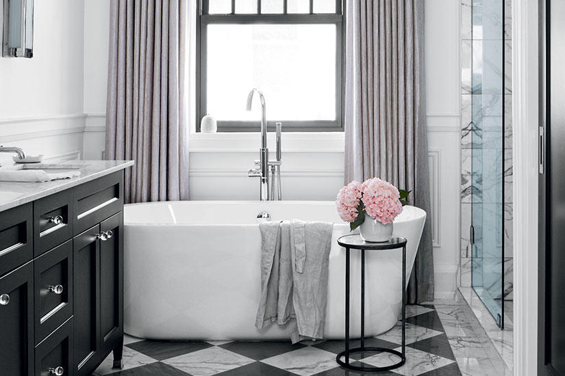 A LUXURIOUS MASTER BATHROOM THAT'S EQUALLY FEMININE AND MASCULINE