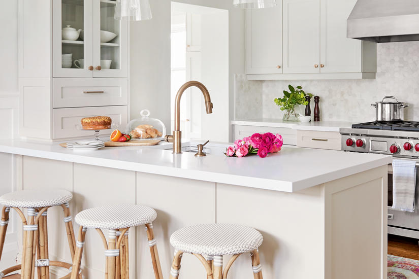 A DATED KITCHEN GETS A PRACTICAL, CLASSIC UPGRADE