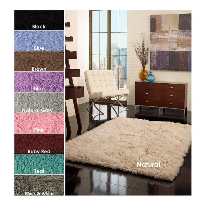 A soft rug is one of our 5 essentials for your nursery!