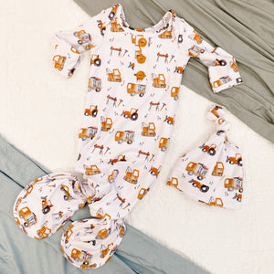 Little Digger Newborn Baby Knot Gown & Hat Set