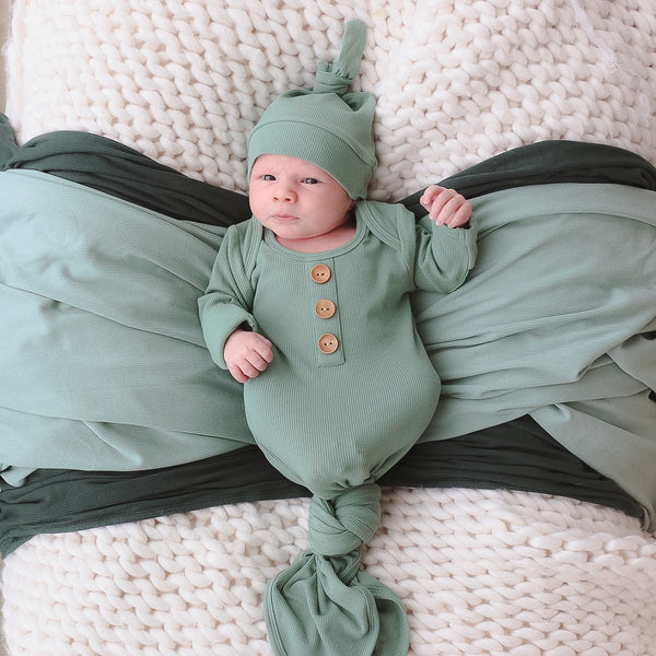 vintage green ribbed newborn knotted gown and hat