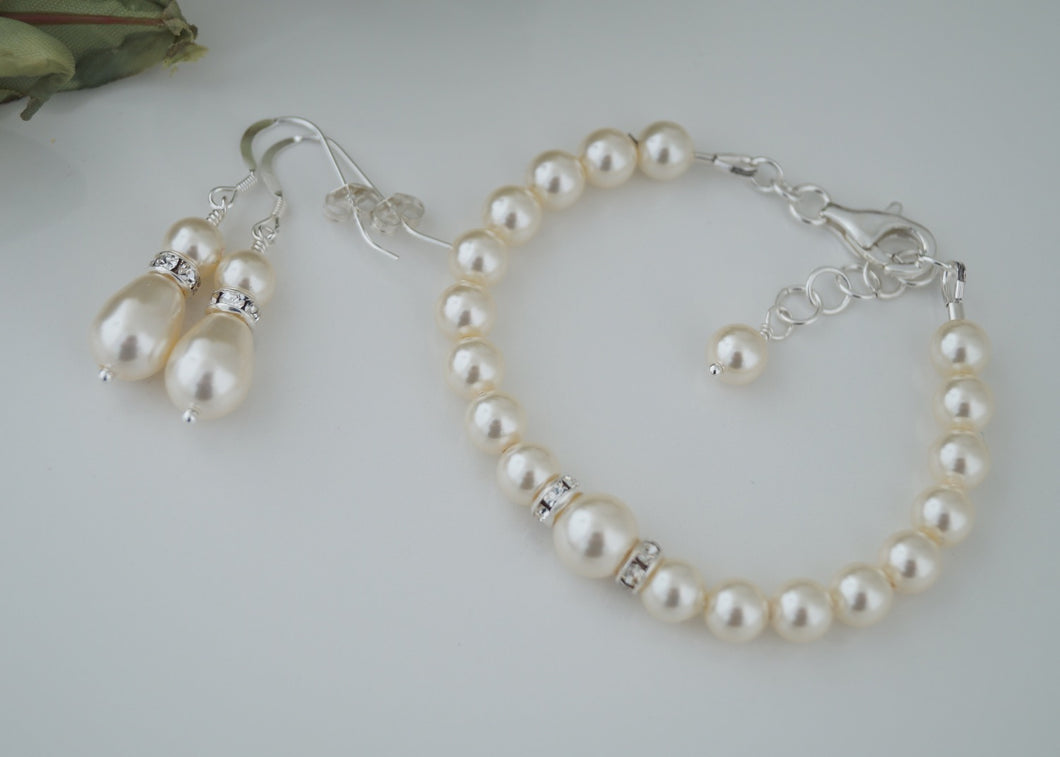 Ivory Pearl Bracelet and Earring Set For Wedding - Clairesbridal - 1