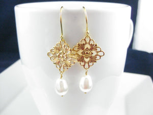 Gold and white pearl bridal earrings - Clairesbridal - 3