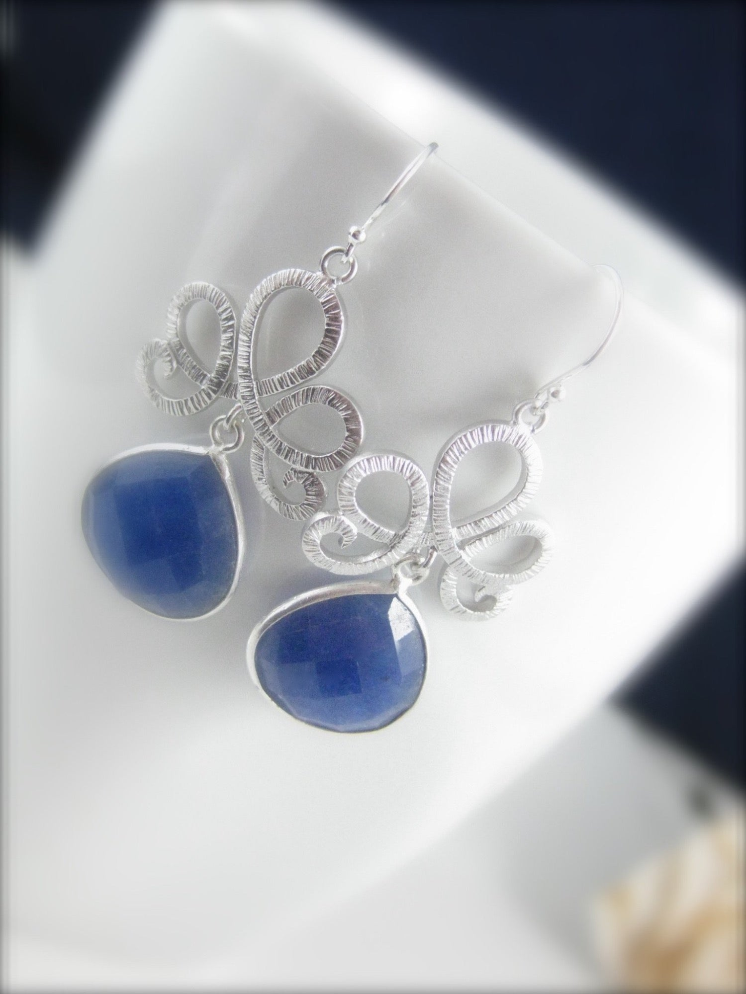 Blue sapphire earrings - Clairesbridal - 2