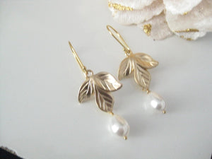 White And Gold Orchid Earrings - Clairesbridal - 4