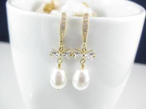 White and gold wedding earrings for brides - Clairesbridal - 2