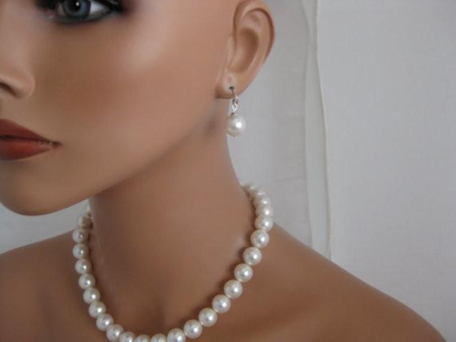 White Chunky Pearl Necklace and Earrings sets for bridesmaids - Clairesbridal - 3