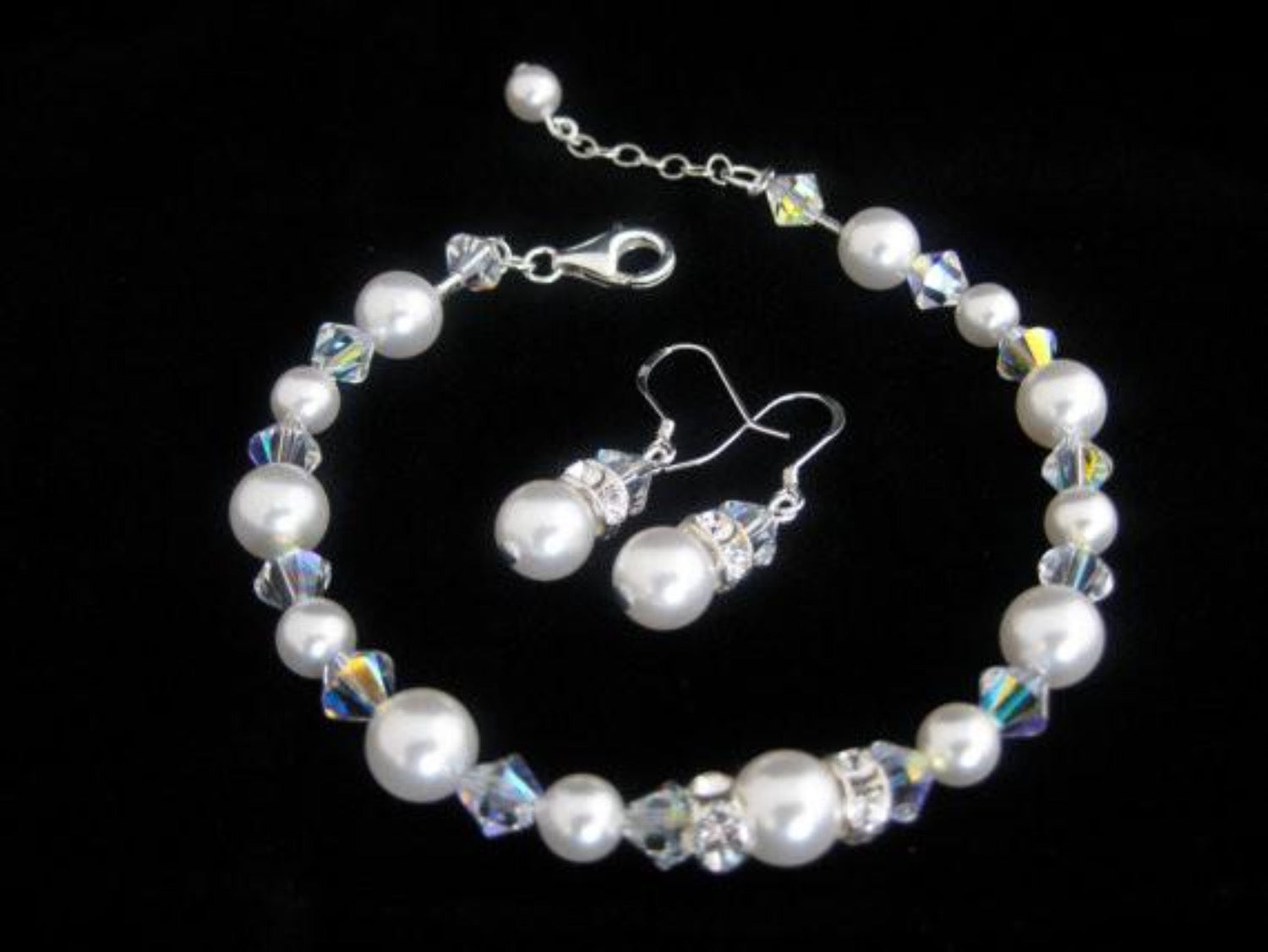 Wedding pearl bracelet and earrings for brides - Clairesbridal - 1
