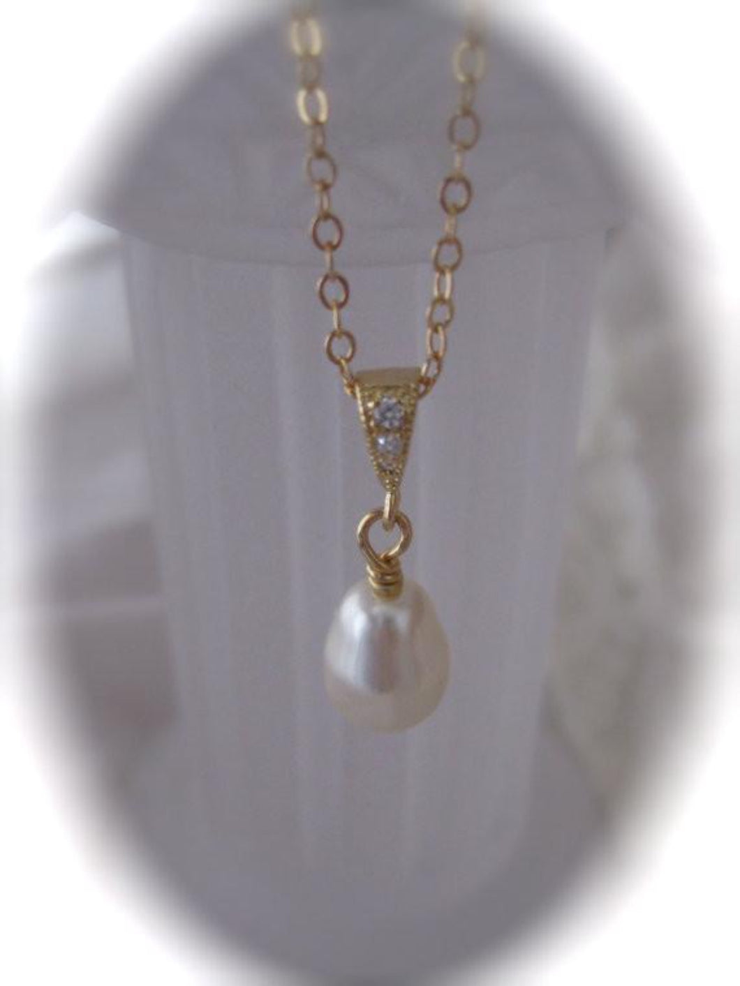 Pearl and gold necklace wedding jewelry - Clairesbridal - 1