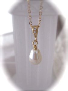 Pearl and gold necklace wedding jewelry - Clairesbridal - 3