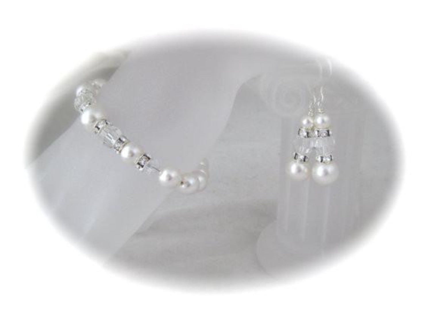 White pearl and crystal bracelet and earrings made with Swarovski elements - Clairesbridal - 3